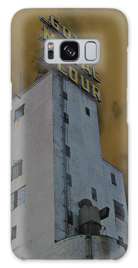 Minneapolis Galaxy Case featuring the photograph Gold Medal Flour by Tom Reynen