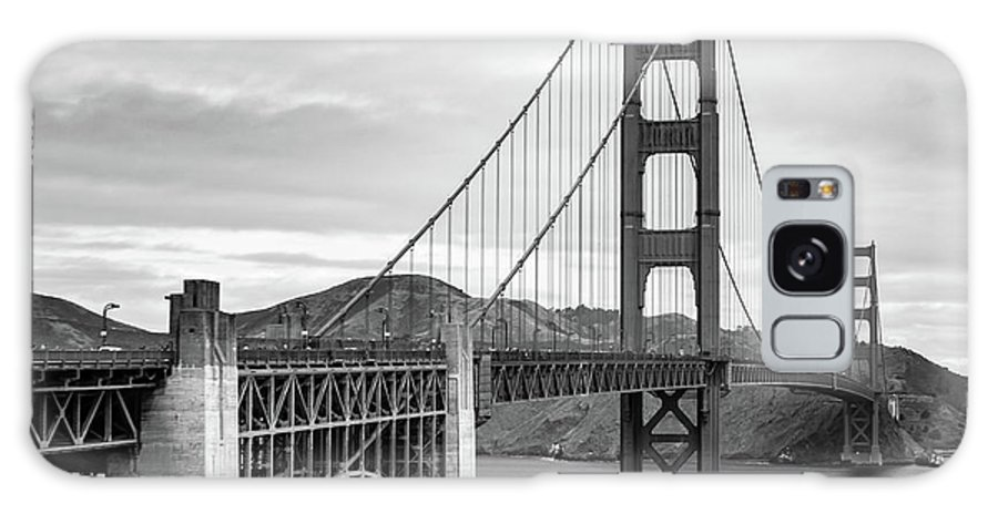 San Francisco Galaxy S8 Case featuring the photograph Golden Gate Bridge Black And White by Andrew Hollen