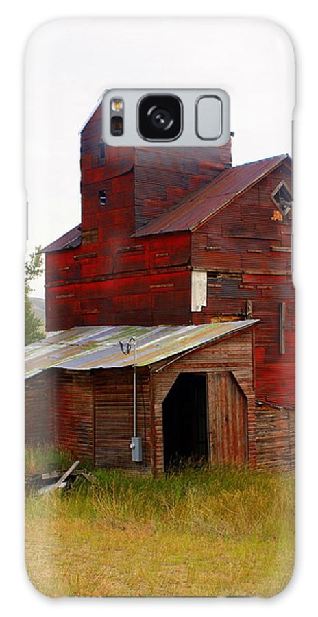 Grane Elevator Galaxy S8 Case featuring the photograph Grain Elevator by Marty Koch
