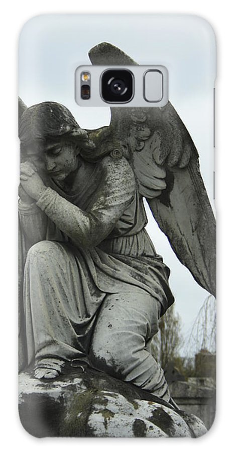 Sculpture Galaxy S8 Case featuring the photograph Grave Angel by Martina Fagan
