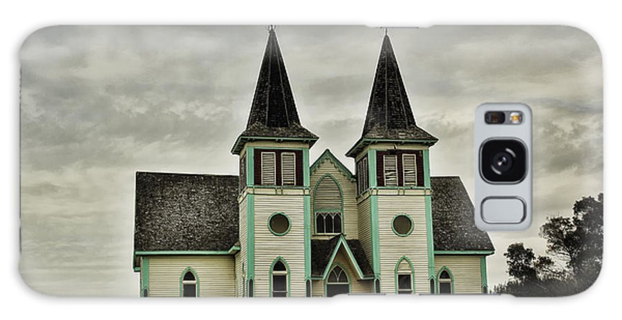 Haunted Galaxy S8 Case featuring the photograph Haunted Kipling Church by Ryan Crouse