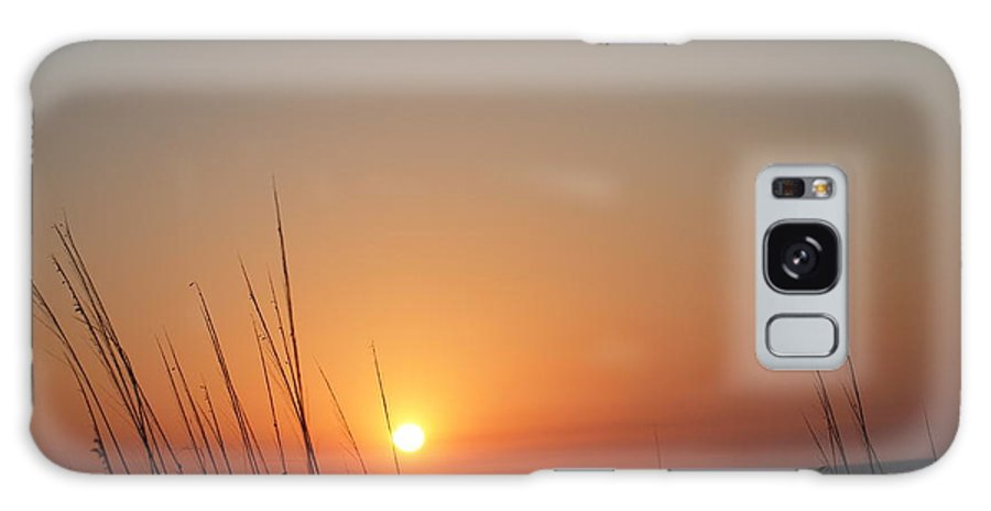 Galaxy S8 Case featuring the photograph Hello Night by Robert Margetts