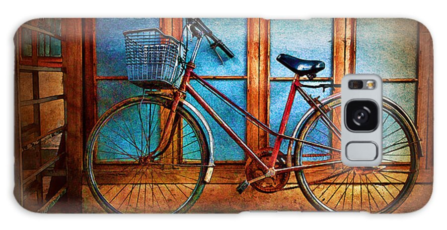 Hoi An Galaxy S8 Case featuring the photograph Hoi An Bike by Stuart Row