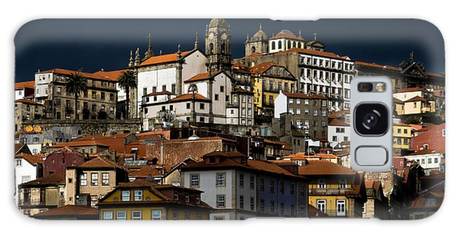 Building Galaxy Case featuring the photograph Houses Of The Slope by Nelson Mineiro