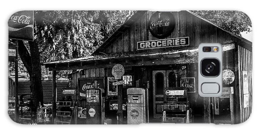Vintage Galaxy S8 Case featuring the photograph Island Grove Service Station by Craig V Walters