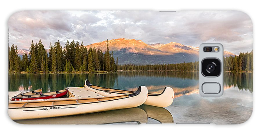 Jasper Lake Galaxy S8 Case featuring the photograph Jasper Lake Canoes by John Johnson