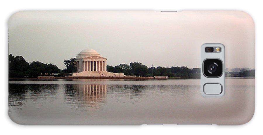 Jefferson Galaxy S8 Case featuring the photograph Jefferson Monument Across The Bay by Douglas Barnett