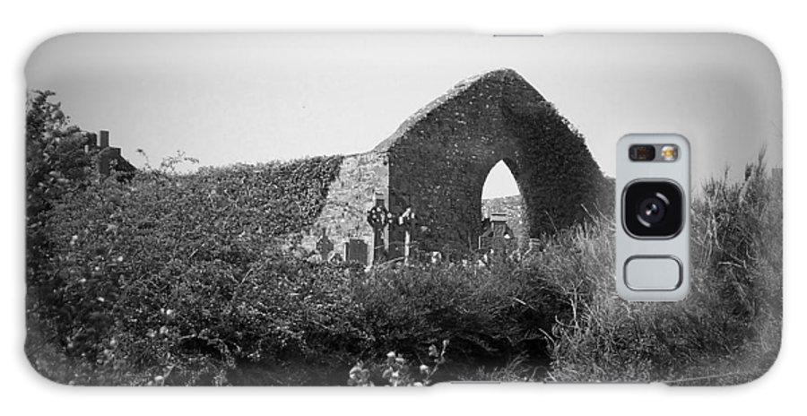 Irish Galaxy S8 Case featuring the photograph Kilmanaheen Church Ruins Ennistymon Ireland by Teresa Mucha