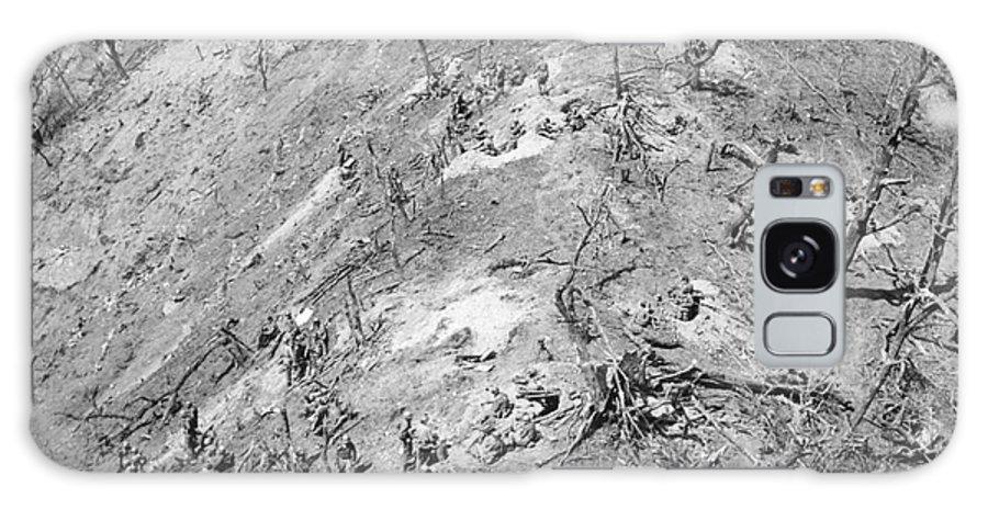 1951 Galaxy S8 Case featuring the photograph Korean War: Bloody Ridge by Granger