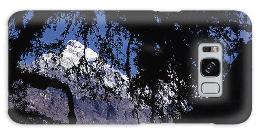 Langtang Galaxy Case featuring the photograph Langtang by Patrick Klauss
