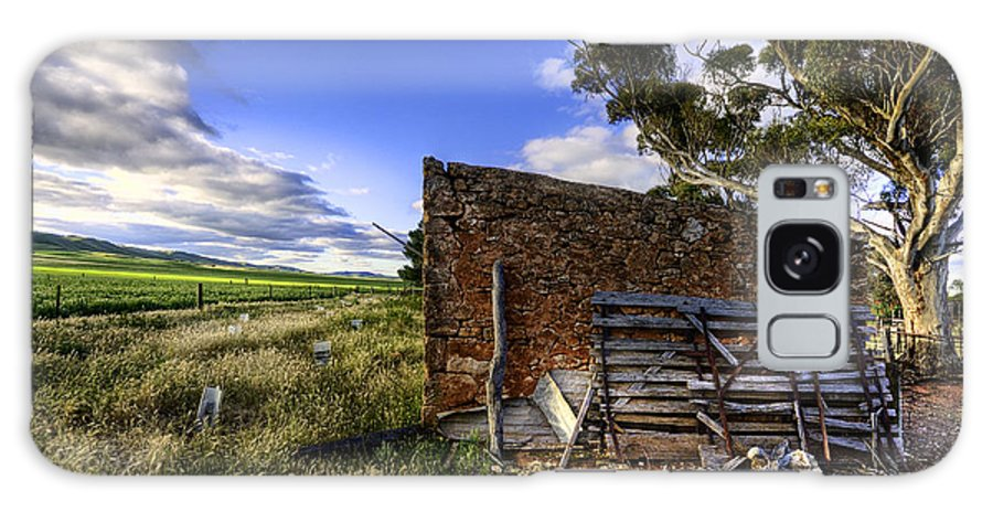 Farm Galaxy S8 Case featuring the photograph Late Afternoon by Wayne Sherriff