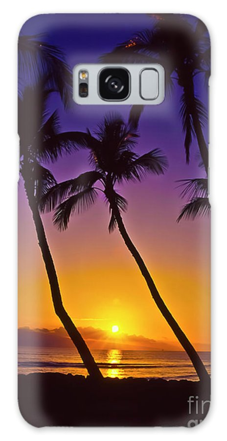 Sunset Galaxy S8 Case featuring the photograph Launiupoko Sunset by Jim Cazel