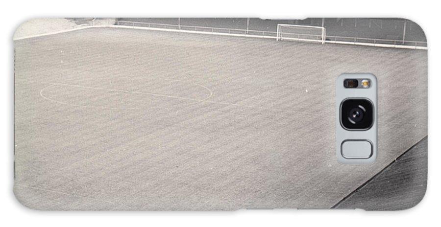 Galaxy S8 Case featuring the photograph Leicester City - Filbert Street - Filbert Street End 1 - Bw - 1960s by Legendary Football Grounds