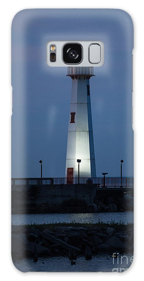 Lighthouse Galaxy S8 Case featuring the photograph Lighthouse by Wesley Farnsworth