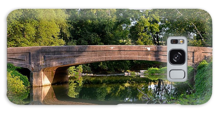 Amish Galaxy S8 Case featuring the photograph Lime Valley Bridge by Tana Reiff