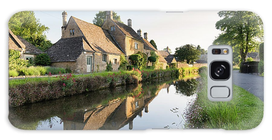 Lower Slaughter Galaxy S8 Case featuring the photograph Lower Slaughter Evening Sunlight by Tim Gainey