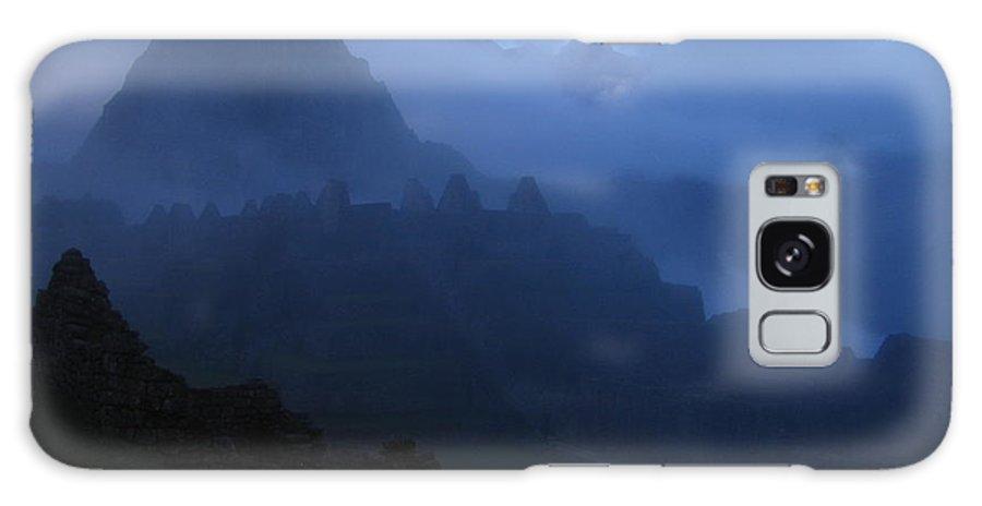 Landscape Galaxy Case featuring the photograph Machu Picchu Dawn by Sam Oppenheim