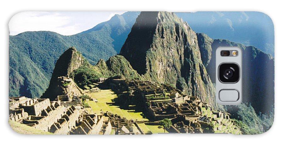 Peru Galaxy S8 Case featuring the photograph Machu Picchu by Kathy Schumann