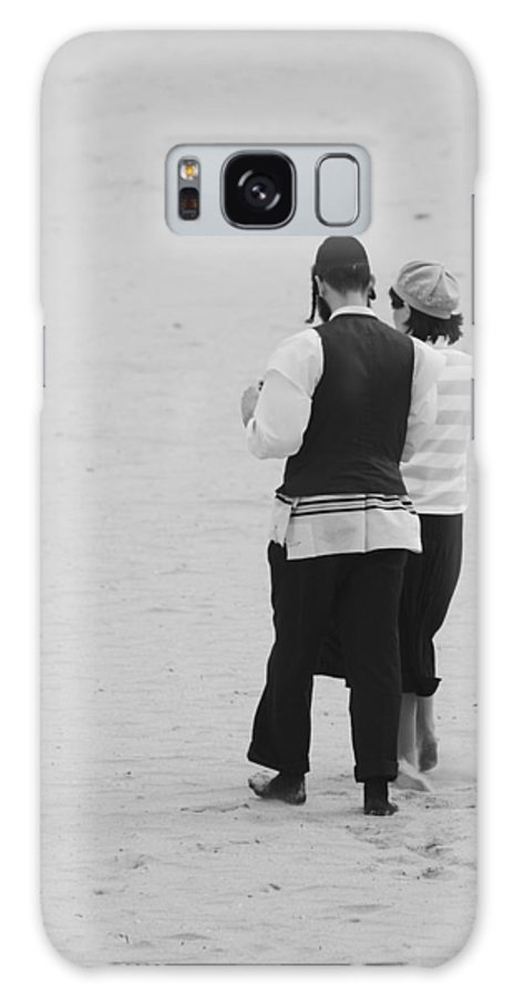 Black And White Galaxy S8 Case featuring the photograph Man And Woman by Rob Hans