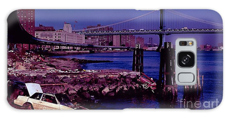 Manhattan Bridge New York City Galaxy S8 Case featuring the photograph Manhattan Bridge New York City by Antonio Martinho