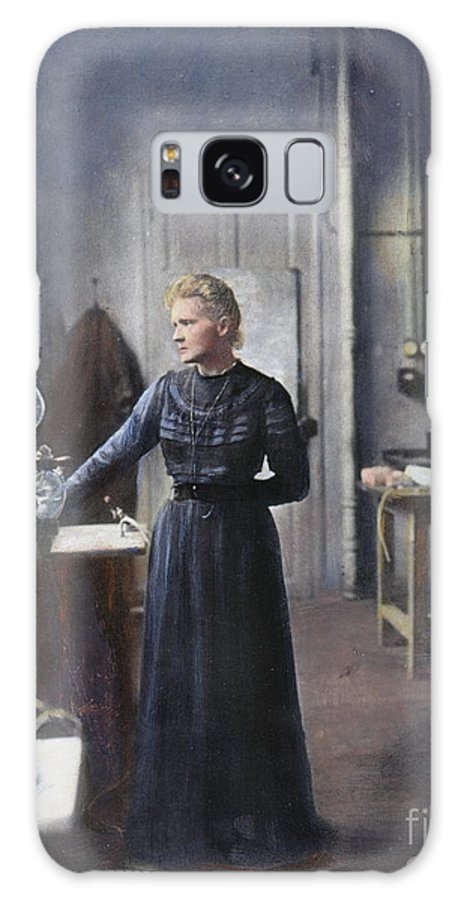 1908 Galaxy S8 Case featuring the photograph Marie Curie (1867-1934) by Granger