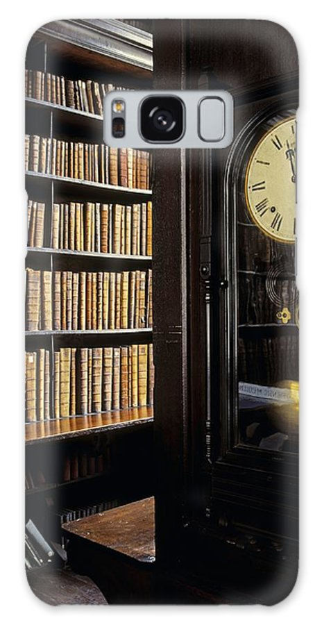 Book Galaxy S8 Case featuring the photograph Marshs Library, Dublin City, Ireland by The Irish Image Collection