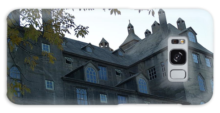 Mercer Galaxy S8 Case featuring the photograph Mercer Museum At Dusk In Doylestown Pa by Anna Lisa Yoder