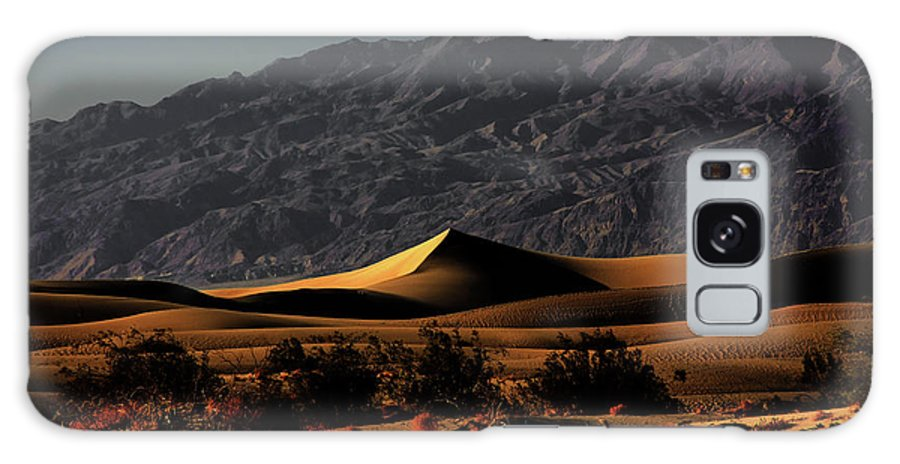 Death Valley National Park Galaxy S8 Case featuring the photograph Mesquite Flat Sand Dunes Death Valley - Spectacularly Abstract by Christine Till