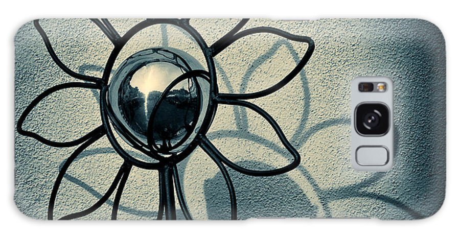 Sunflower Galaxy S8 Case featuring the photograph Metal Flower by Dave Bowman