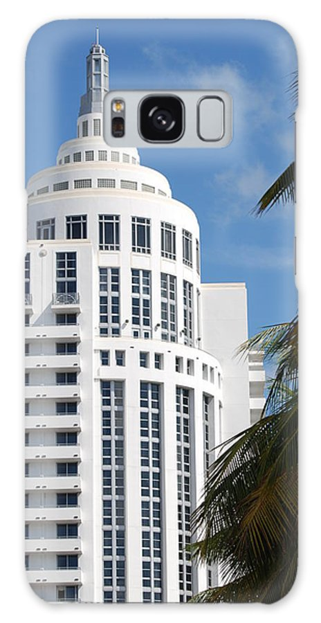 Architecture Galaxy S8 Case featuring the photograph Miami S Capitol Building by Rob Hans