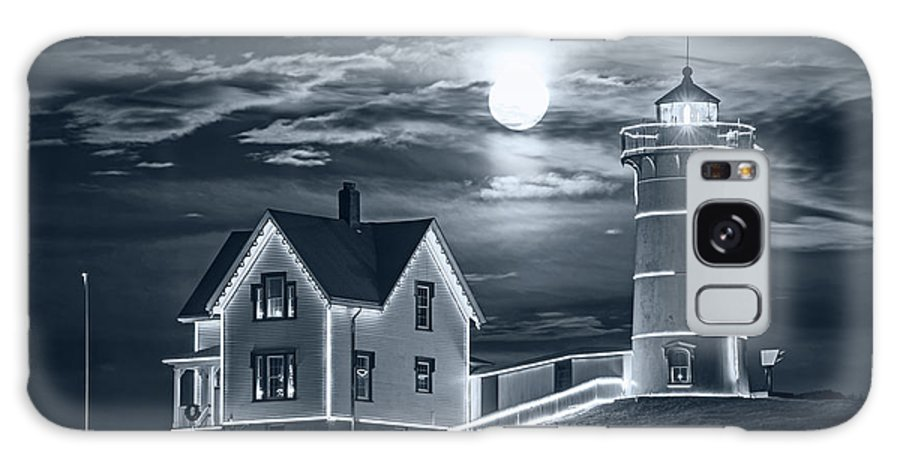 York Galaxy S8 Case featuring the photograph Monochrome Blue Nights The Supermoon Rising Over The Nubble Lighthouse York Maine by Toby McGuire