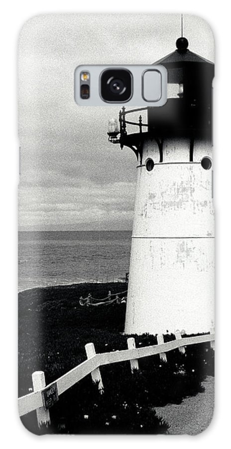 Lighthouse Galaxy S8 Case featuring the photograph Montara Lighthouse by Kathy Yates