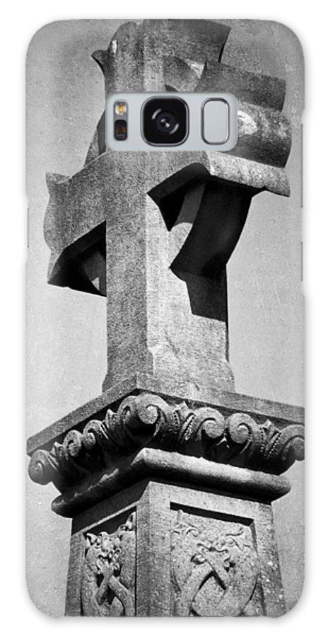 Irish Galaxy S8 Case featuring the photograph Monument Cross Macroom Ireland by Teresa Mucha