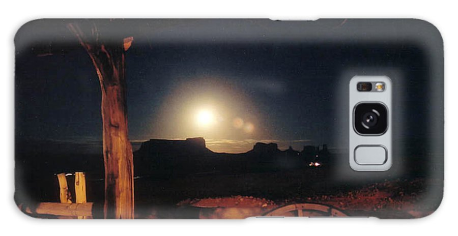 Landscape Galaxy Case featuring the photograph Monument Moonrise by Cathy Franklin