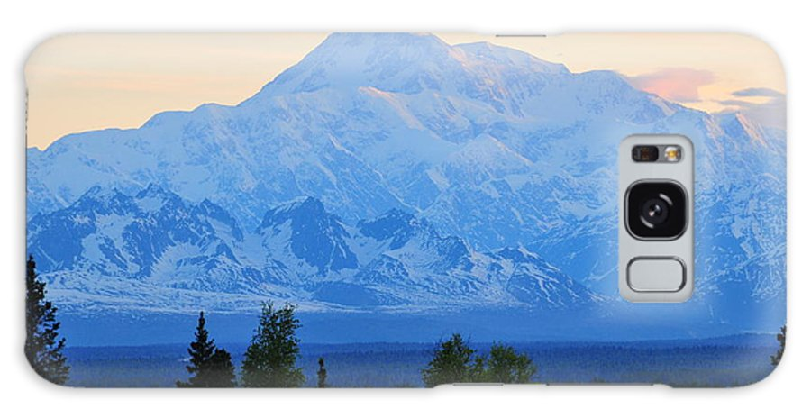 Mount Mckinley Galaxy Case featuring the photograph Mount Mckinley by Keith Gondron