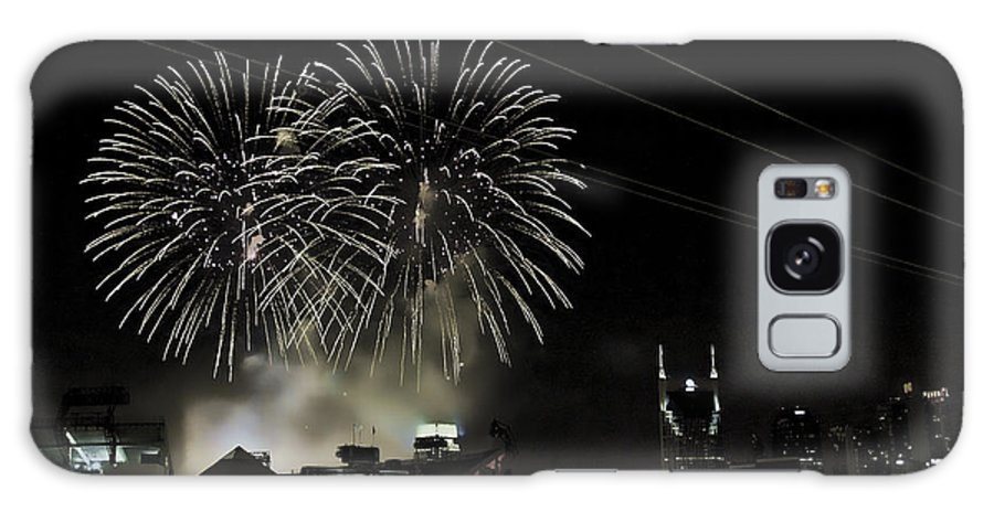 Fireworks Galaxy S8 Case featuring the photograph Nashville 4th Of July by Sheri Bartoszek
