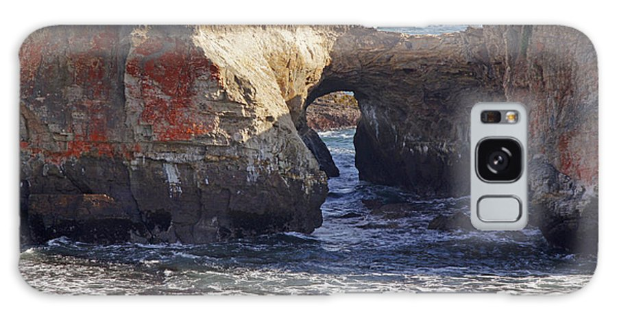 Highway 1 Galaxy S8 Case featuring the photograph Natural Bridge At Point Arena by Mick Anderson