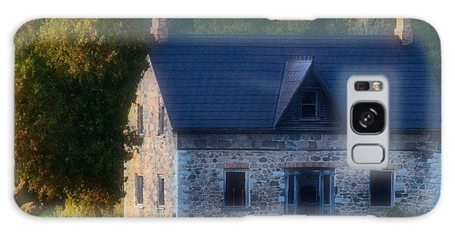 'farm House Galaxy S8 Case featuring the photograph Needs A Family by David Hubbs