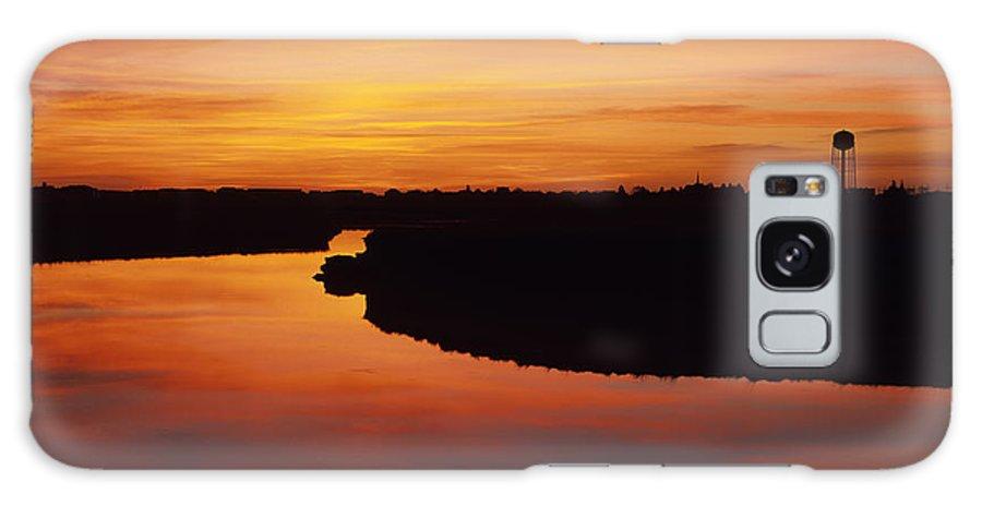 Atlantic Ocean Galaxy S8 Case featuring the photograph New Hampshire Salt Marsh At Sunrise by Erin Paul Donovan