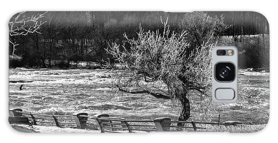 Niagara Falls Galaxy S8 Case featuring the photograph Niagara Falls Ice 4514 by Guy Whiteley
