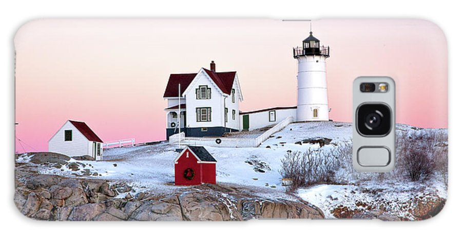 Cape Neddick Light Galaxy S8 Case featuring the photograph Nubble Glow by Susan Cole Kelly