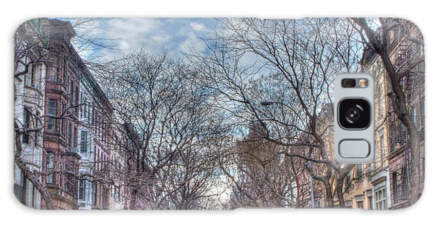 New York Galaxy S8 Case featuring the photograph Ny City Street by Ariane Moshayedi