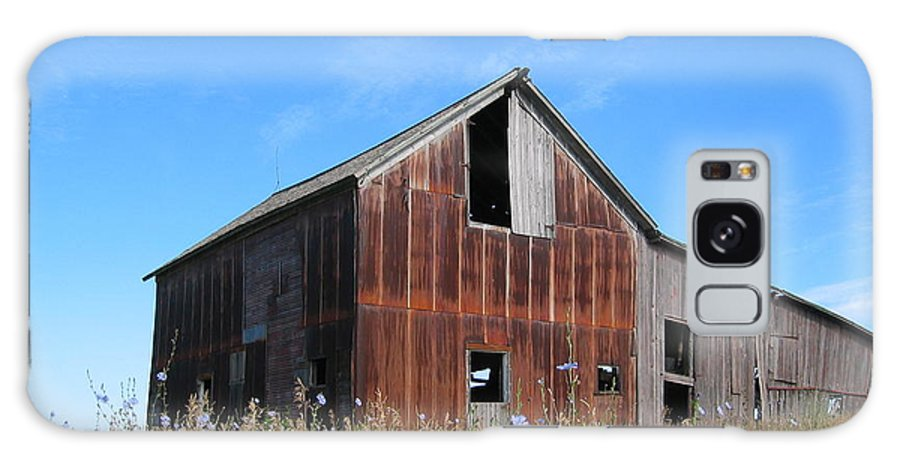 Landscape Galaxy Case featuring the photograph Odell Barn I by Dylan Punke