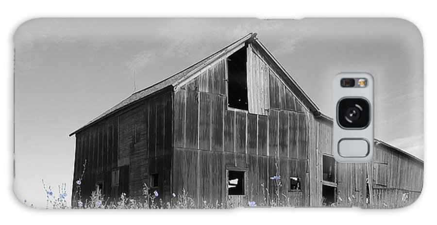 Rural Galaxy Case featuring the photograph Odell Barn IIi by Dylan Punke