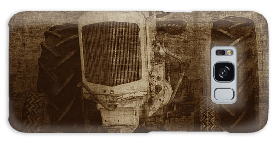 Crank Tractors Galaxy S8 Case featuring the photograph Ol Yeller In Sepia by Ernie Echols
