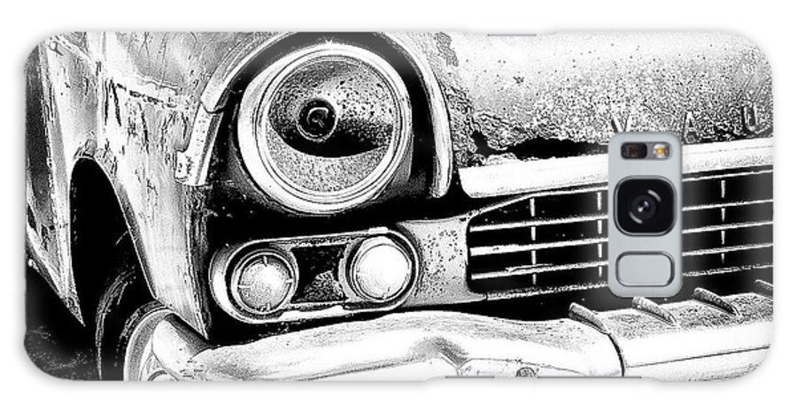 Car Galaxy S8 Case featuring the photograph Old Car by Nelson Mineiro