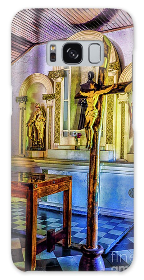 Colonia Uraguay Old Churches Interiors Galaxy S8 Case featuring the photograph Old Church Altar by Rick Bragan