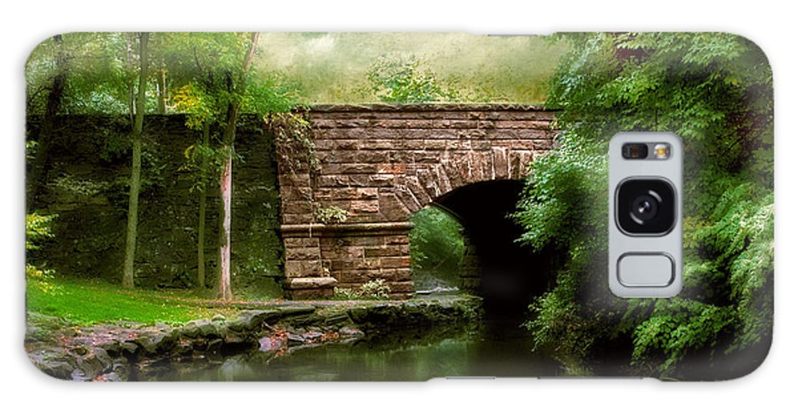 Old Countrybridge Green Art Galaxy S8 Case featuring the photograph Old Country Bridge by Jessica Jenney