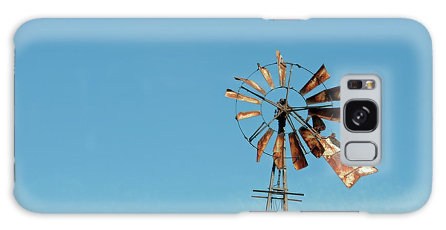 Windmill Galaxy S8 Case featuring the photograph Old Rusty by David Arment
