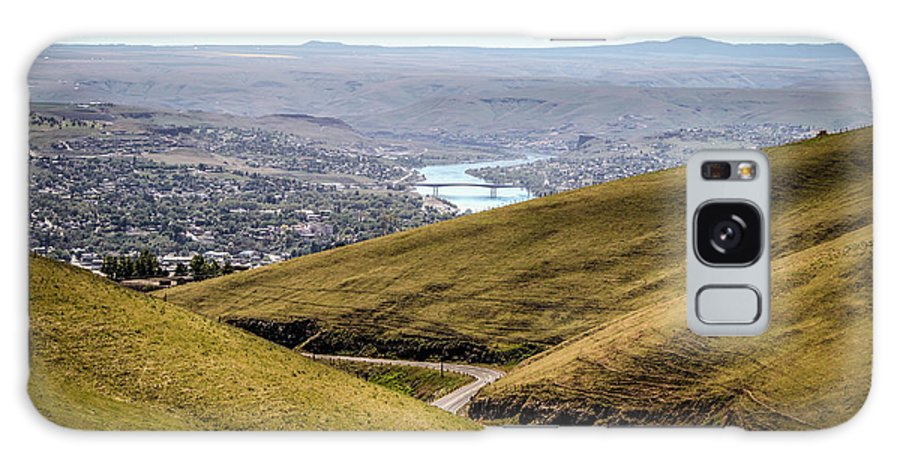 Lewiston Idaho Id Clarkston Washington Wa Lc-valley Lc Valley Pacific Northwest Lewis Clark Landscape Palouse Old Spiral Highway Green Fields Snake River Blue Sky City Spring May Galaxy S8 Case featuring the photograph Old Spiral Highway To Lewiston by Brad Stinson